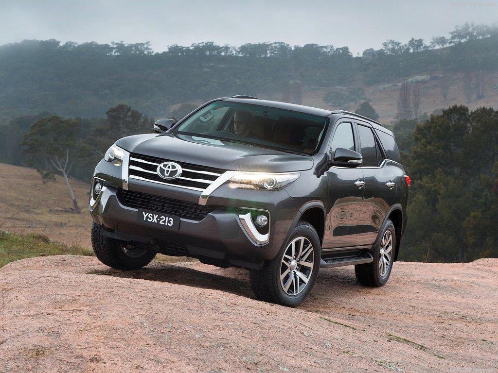 2017 Toyota Fortuner Price Interior Review Design Release date