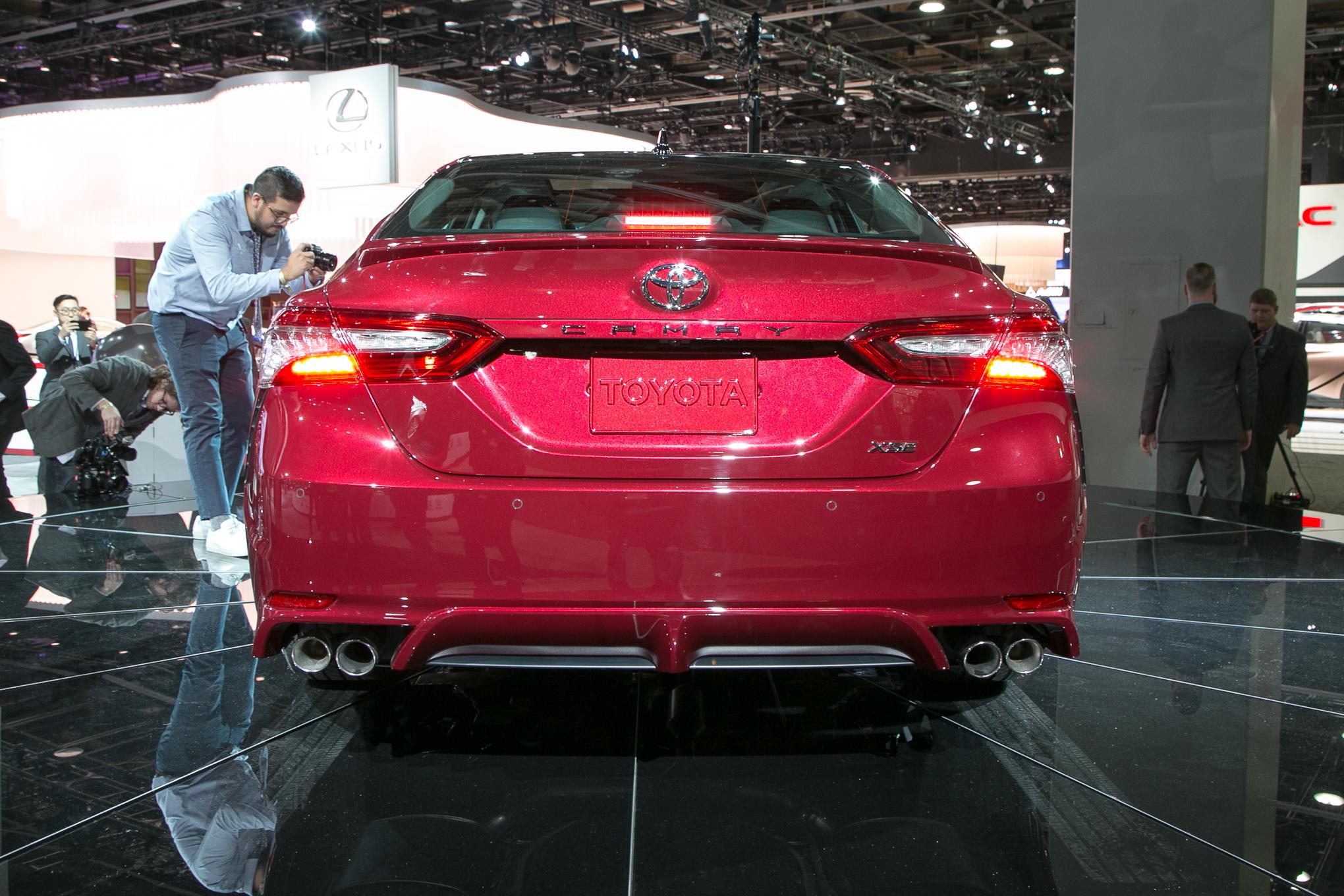 2018 Toyota Camry XSE 2