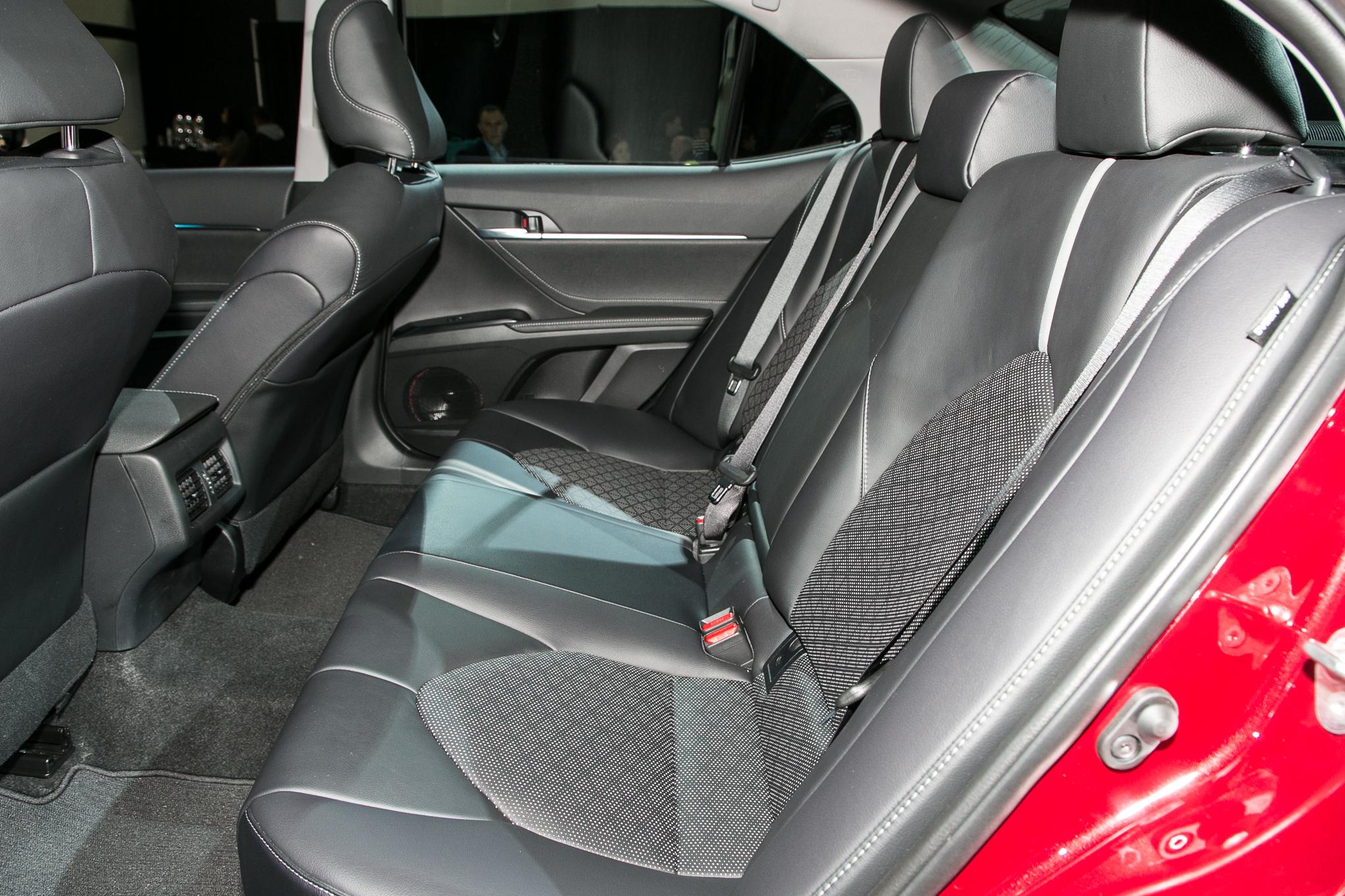 2018 Toyota Camry XSE 6