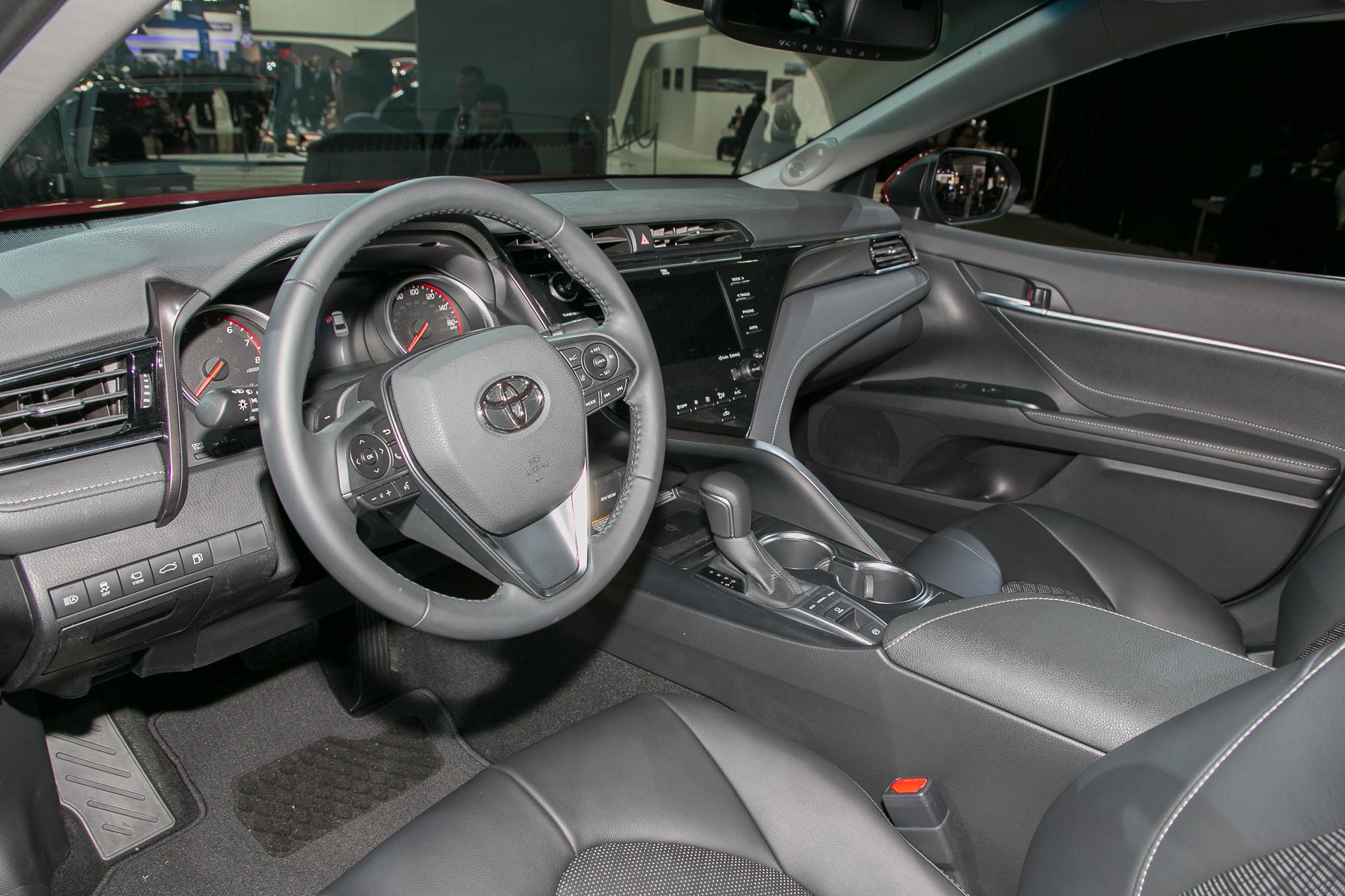 2018 Toyota Camry XSE 7
