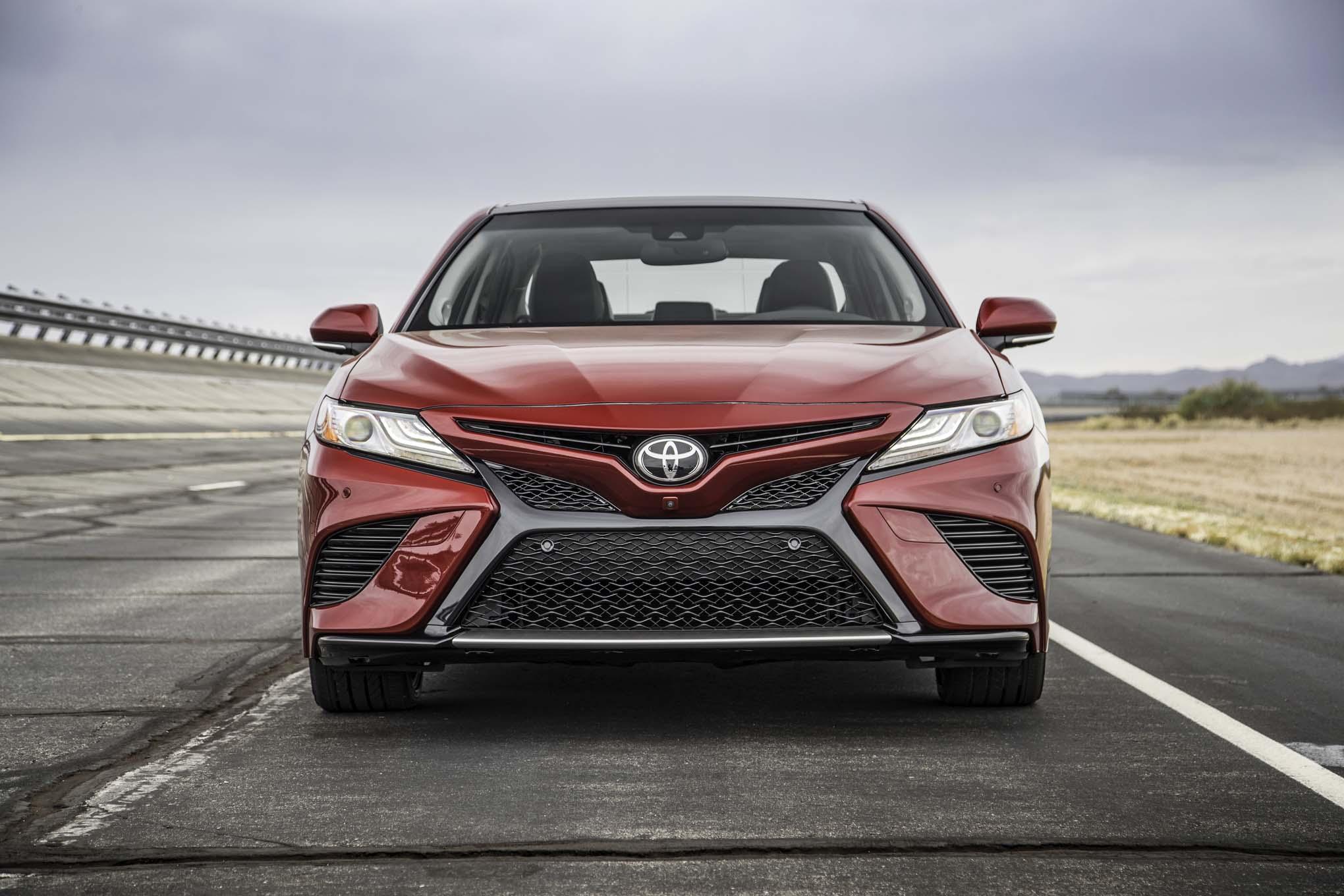 Camry Le Vs Se >> 2018 Toyota Camry XSE Price, Engine, Specs, Range, Interior